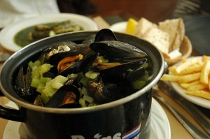 mussels moules marineres